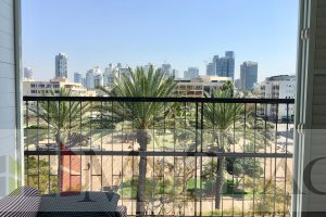במרכז העיר דירת ענק עם מעלית ונוף פתוח