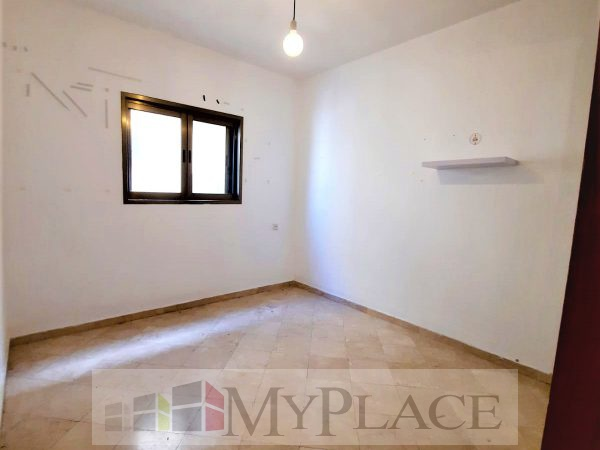 On the sea 5 rooms apartment with a lift and a parking space 5