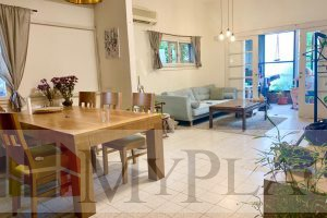 On Ben Zion Blvd A quiet 100 square meters