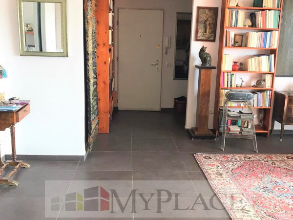 130 SQM RENOVATED WITH ELEVATOR AND PARKING 3