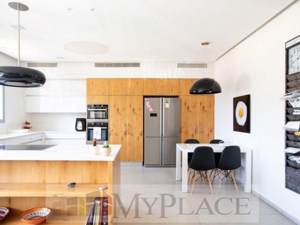בהוברמן 4 חד אדריכלית עם מעלית וחניה 3