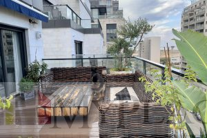 A Luxury Penthouse on Yehuda Amichai