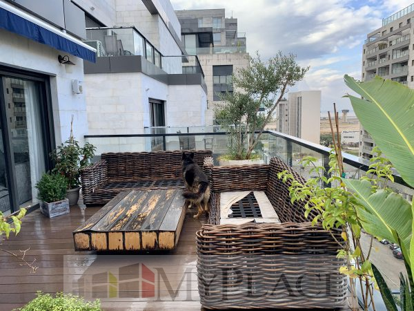 A Luxury Penthouse on Yehuda Amichai 1