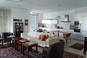 Renovated Furnished Apt In Frishman Tower