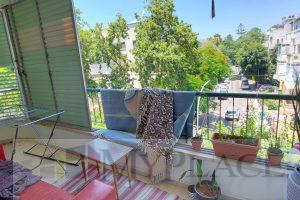 בזמנהוף דירת 3 חד עם מרפסת וחניה